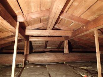 小屋裏は湿気が溜まりやすい