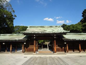 お寺と神社では屋根が違います