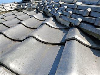 台風15号の強風の影響により棟の漆喰の剥がれ