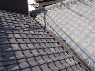 市原市牛久のお住まいで起こった屋根からの雨漏りを谷板金交換工事で改善