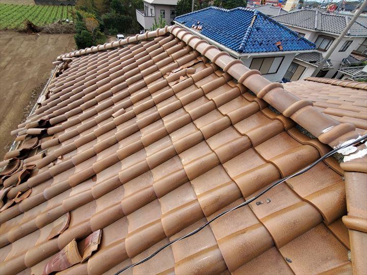野田市中里で台風15の強風の影響により瓦屋根の平瓦が剥がれてしまいました