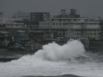 強風による波浪