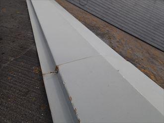 市原市 風害調査で屋根の上に010_R