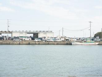 海の近くの施設