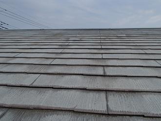 傷みがでているスレート屋根