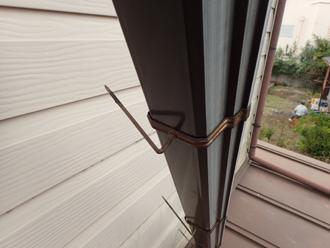 鋭い雨樋の固定金具