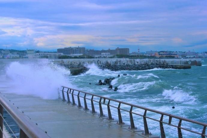 typhoon-1725056_1280-columns1-columns1